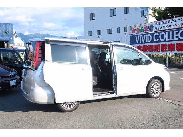 トヨタ エスクァイア Xi純正SDナビ 両側自動ドア 寒冷地仕様 4WD