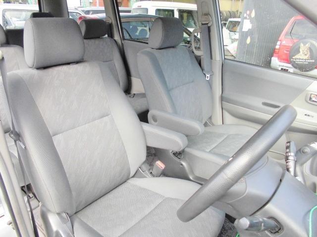 トヨタ ノア S Vセレクション 4WD ABS SRS