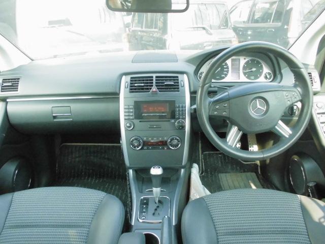 メルセデス・ベンツ M・ベンツ B200 ESP ABS ハーフレザー