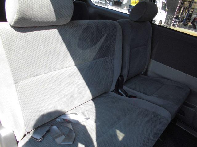 トヨタ ヴォクシー X Gエディション 4WD ABS SRS