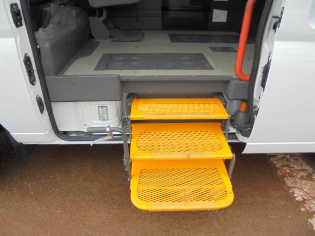 車椅子移動車4WD3000D-TB(7枚目)