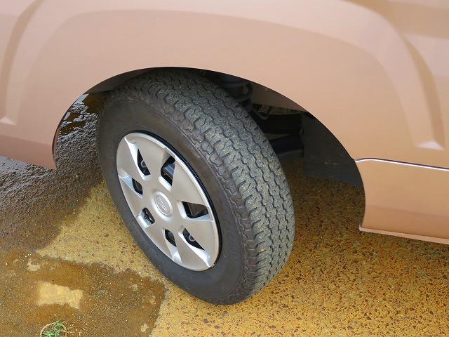 タイヤ12インチ 溝深さ5mm