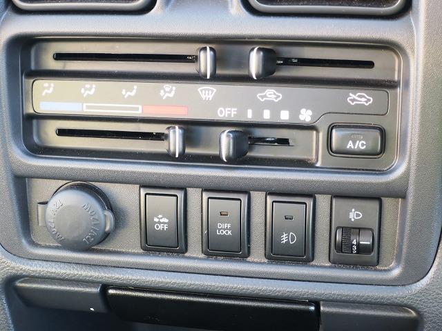 KX 4WD 5MT キーレス パワーウィンドウ 衝突安全 CD 荷台ライト(13枚目)