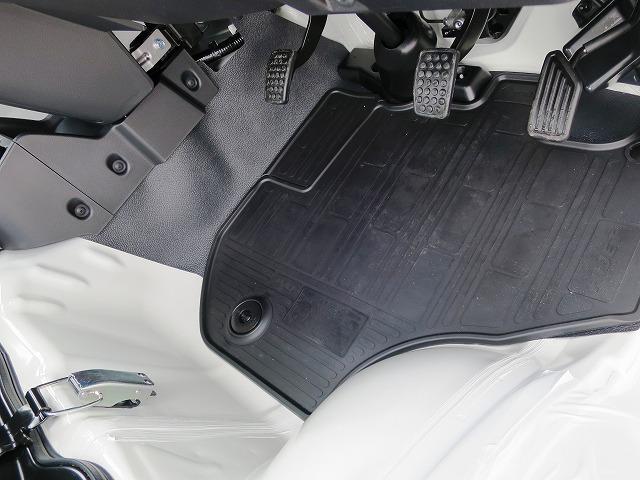 スタンダード 4WD フロア5MT パワステエアコン オートライト 届出済未使用車(16枚目)