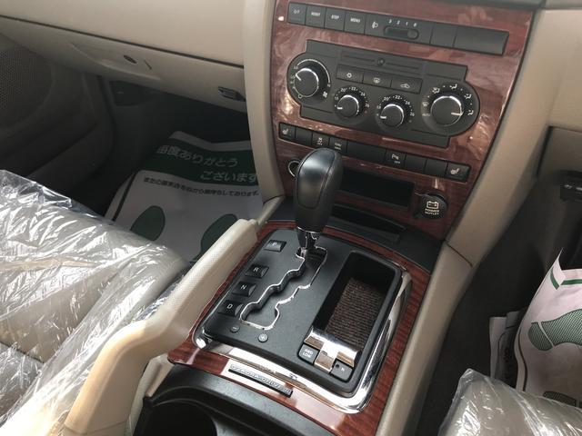 リミテッド 4WD AW17インチ CD ETC 5名乗り(14枚目)
