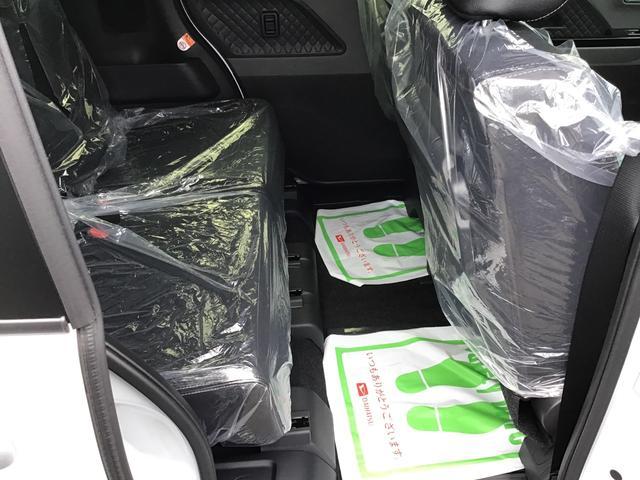 カスタムXセレクション 届出済未仕様車 特別仕様車 2WD 両側パワースライドドア シートヒーター 格納式シートバックテーブル LEDヘッドライト LEDフォグランプ スマートアシスト コーナーセンサー 14インチアルミ(18枚目)