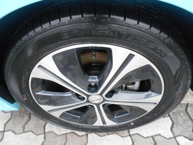 整備や自動車保険のご相談も随時受け付けております。初めてのお車のご購入時にも頼りになります。