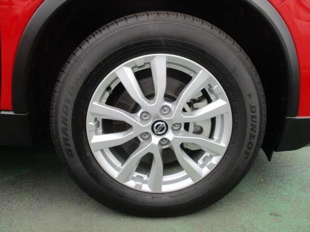 純正アルミホイールの画像です。タイヤサイズは225/65R17