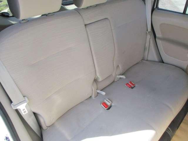 このシート、一度座ってみてください。他の車にはない、フワフワ感。運転者でなければ、まず寝たくなります。