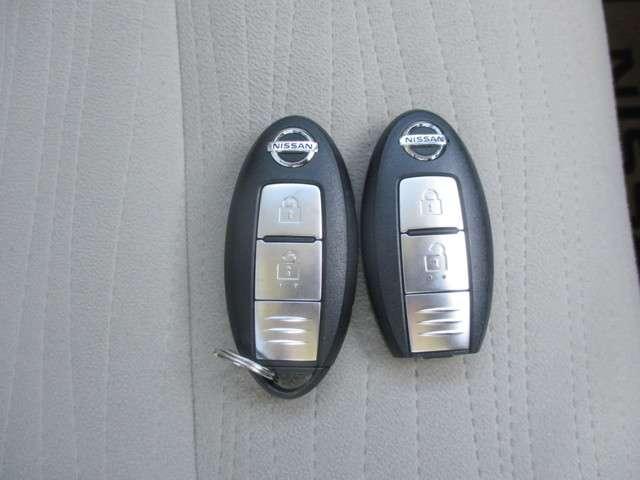鍵をかばん、ポケットにいれて持っていればドアノブのボタンひとつでドアのロック、アンロックが出来ます。
