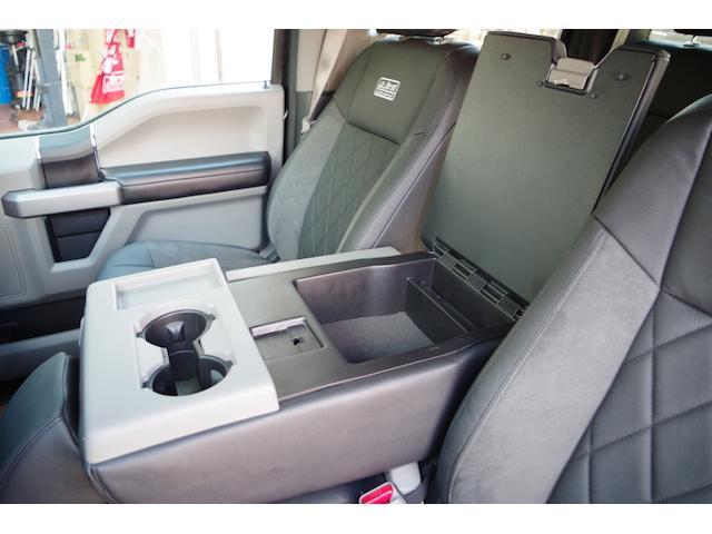 フォード フォード F-150 XLTエコブーストCARFAX済自社輸入BratCustom