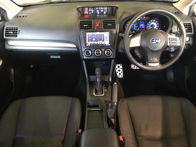ワンオーナー フル4WD オートデュアルエアコン Pステアリング クルコン HID 革シート シートエアコンヒーター 前席Pシートシート 純正フロアマット ETC メモリーナビ フルセグTV(4枚目)