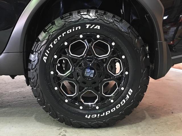 ワンオーナー フル4WD オートデュアルエアコン Pステアリング クルコン HID 革シート シートエアコンヒーター 前席Pシートシート 純正フロアマット ETC メモリーナビ フルセグTV(30枚目)