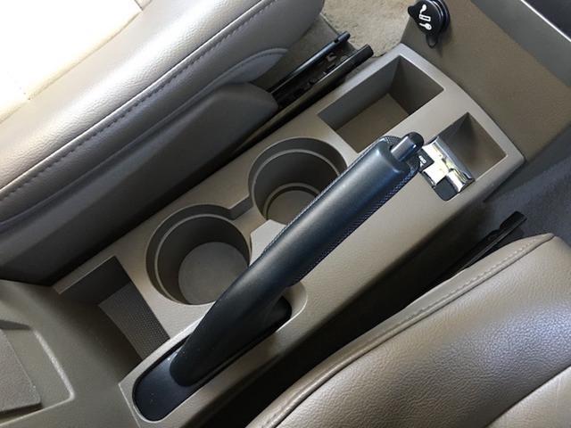 リミテッド 4WD サンルーフ クルコン レザーシート/前席シートヒーター サイドカメラ ETC Bostonプレミアムオーディオ 純正17インチAW ルーフレール キーレスキー フロアマット 革巻ステアリング(10枚目)