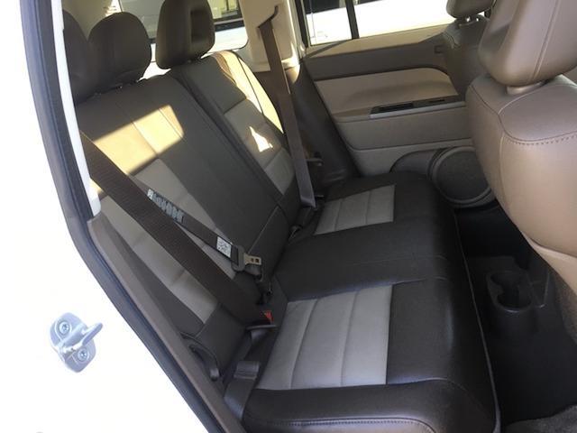 リミテッド 4WD サンルーフ クルコン レザーシート/前席シートヒーター サイドカメラ ETC Bostonプレミアムオーディオ 純正17インチAW ルーフレール キーレスキー フロアマット 革巻ステアリング(13枚目)