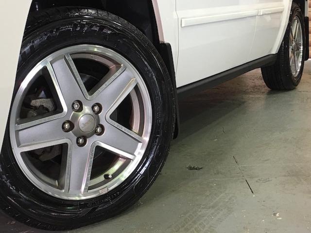 リミテッド 4WD サンルーフ クルコン レザーシート/前席シートヒーター サイドカメラ ETC Bostonプレミアムオーディオ 純正17インチAW ルーフレール キーレスキー フロアマット 革巻ステアリング(25枚目)
