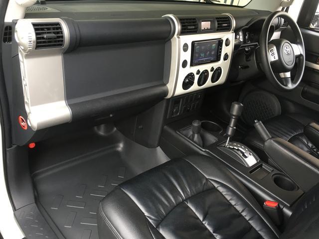 ベースグレード フロントランナールーフトップテント リフトアップ2インチ サイドステップ BFグッドリッチM/T KM3/17インチタイヤ新品 LEDウインカー ストラーダSDナビ フルセグTV ETC BT(6枚目)