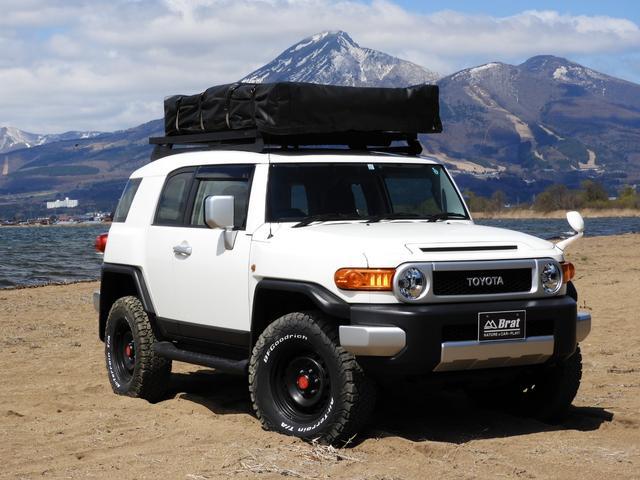 ベースグレード フロントランナールーフトップテント リフトアップ2インチ サイドステップ BFグッドリッチM/T KM3/17インチタイヤ新品 LEDウインカー ストラーダSDナビ フルセグTV ETC BT(18枚目)