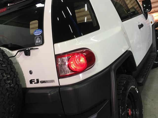 ベースグレード フロントランナールーフトップテント リフトアップ2インチ サイドステップ BFグッドリッチM/T KM3/17インチタイヤ新品 LEDウインカー ストラーダSDナビ フルセグTV ETC BT(36枚目)