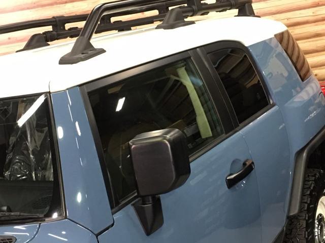 ベースグレード ツートンスモーキーブルー ルーフラック フォグランプ A-TRAC 革調シートカバー Tコネクト対応純正SDナビ フルセグ バックカメラ ステアスイッチ クルーズコントロール ETC 純正ホイール(28枚目)