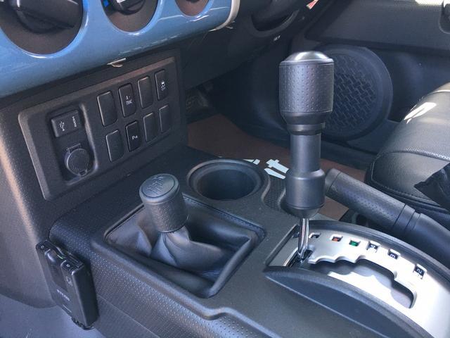 ベースグレード ツートンスモーキーブルー ルーフラック フォグランプ A-TRAC 革調シートカバー Tコネクト対応純正SDナビ フルセグ バックカメラ ステアスイッチ クルーズコントロール ETC 純正ホイール(39枚目)