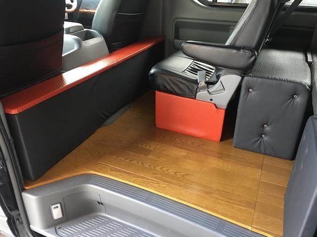 GL 4WD ローダウン ブラックアウトカスタム インナーブラックヘッドライト パワスラ トーヨーH20ホワイトレター フリップダウンモニター オーバーフェンダー ウッドコンビハンドル 木目調パネル(12枚目)