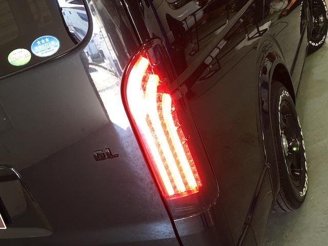 GL 4WD ローダウン ブラックアウトカスタム インナーブラックヘッドライト パワスラ トーヨーH20ホワイトレター フリップダウンモニター オーバーフェンダー ウッドコンビハンドル 木目調パネル(39枚目)