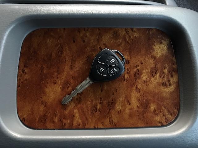 GL 4WD ローダウン ブラックアウトカスタム インナーブラックヘッドライト パワスラ トーヨーH20ホワイトレター フリップダウンモニター オーバーフェンダー ウッドコンビハンドル 木目調パネル(40枚目)