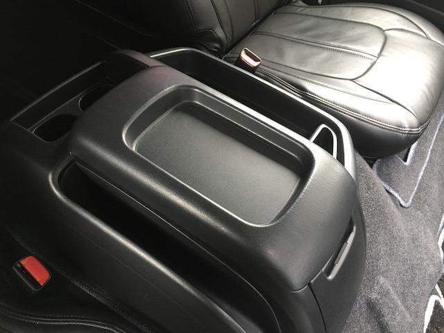 グランドキャビン 特別架装車ファインテックツアラー 4WD 新品バルベロ17インチAW 新品ナスカーイーグル1 全席シートカバー アルパインメモリナビ アルパインフリップダウンモニター 片側パワースライドドア(36枚目)