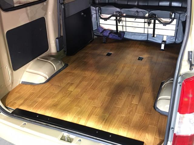 GL NEWペイント/ベージュ トランクフロアフローリング仕様 40ミリリフトアップ ウッドコンビハンドル マキシスバックショット 全塗装済 SDナビ 黒革調シートカバー エクストリームJ14インチアルミ(12枚目)