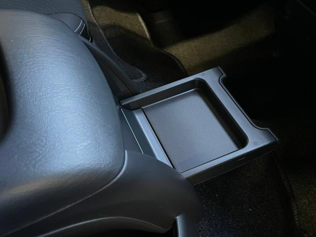 スーパーGL ダークプライムII 4WD6型 禁煙車 TRDフロント/サイドリアスポイラー 1.5インチローダウン デジタルインナーミラー プリクラッシュセーフティ レーンディパーチャーアラート オートマチックハイビーム 100V電源(57枚目)