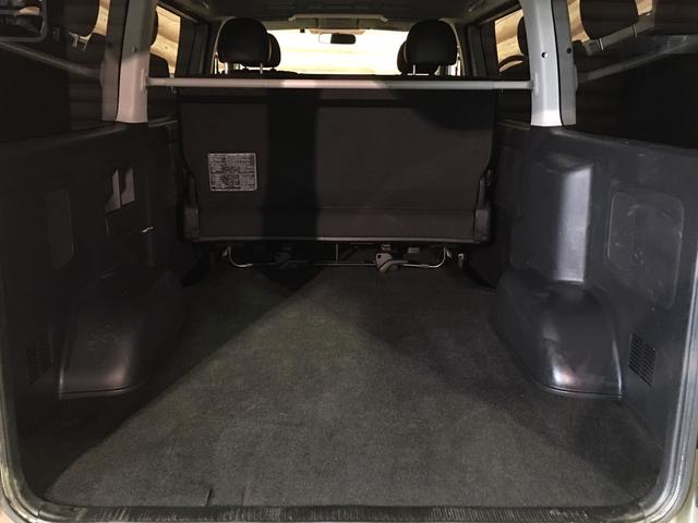 ロングスーパーGL 4WD ディーゼル NEWペイント/エメラルドグレーメタリック DEANカリフォルニア新品ホイール グッドイヤーイーグル#1ナスカー新品タイヤ セミグロスブラックアウト 後席ダークプライム専用シート(12枚目)