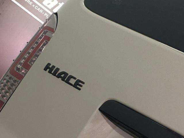 ロングスーパーGL 4WD ディーゼル NEWペイント/エメラルドグレーメタリック DEANカリフォルニア新品ホイール グッドイヤーイーグル#1ナスカー新品タイヤ セミグロスブラックアウト 後席ダークプライム専用シート(29枚目)