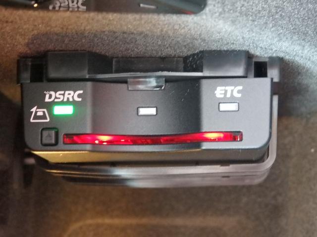 マカンGTS 4WD 純正HDDナビ HID 衝突軽減ブレーキ レザーシート 純正20AW サンルーフ パドルシフト ETC(8枚目)