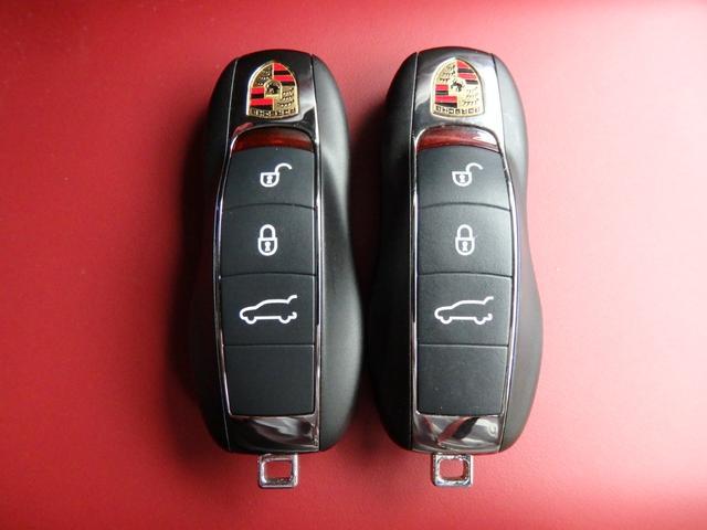 マカンGTS 4WD 純正HDDナビ HID 衝突軽減ブレーキ レザーシート 純正20AW サンルーフ パドルシフト ETC(10枚目)
