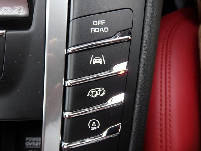 マカンGTS 4WD 純正HDDナビ HID 衝突軽減ブレーキ レザーシート 純正20AW サンルーフ パドルシフト ETC(35枚目)