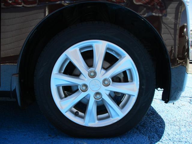 T セーフティパッケージ 4WD ワンオーナー車 社外SDナビ 衝突軽減ブレーキ 左側パワースライドドア シートヒーター ETC(12枚目)