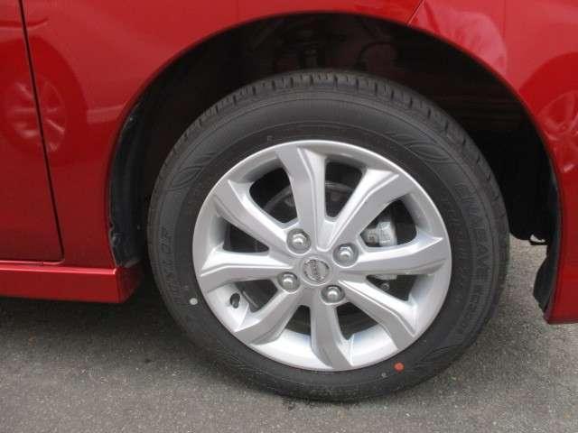 純正アルミホイールの画像です。タイヤサイズは155/65R14