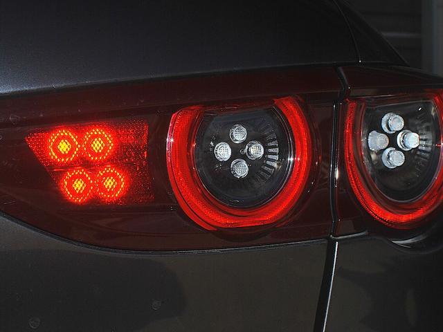 Xプロアクティブ ツーリングセレクション AWD 誤発進抑制制御/衝突被害軽減装置/車線逸脱警報システム/マツダ・レーダー・クルーズ・コントロール/レーン・キープ・アシスト・システム/ブラインド・スポット・モニタリング(27枚目)