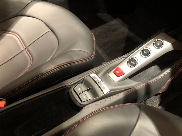 「フェラーリ」「488スパイダー」「オープンカー」「宮城県」の中古車52