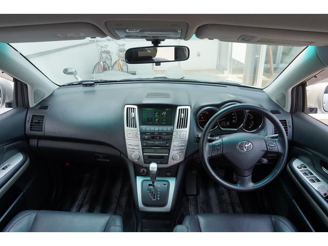 トヨタ ハリアーハイブリッド プレミアムS 4WD 黒革シートヒーター PWバックドア