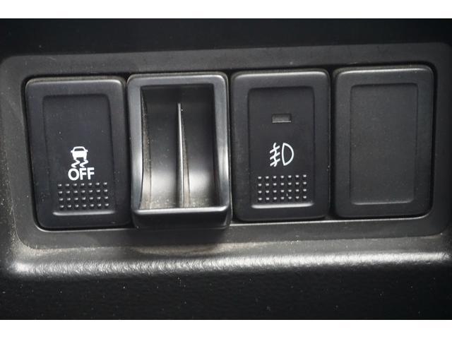 ベースグレード 6速マニュアル ナビTV クルコン 禁煙車 Bluetooth HIDオートライト USB ETC スマートキー  盗難防止装置 横滑り防止装置(18枚目)
