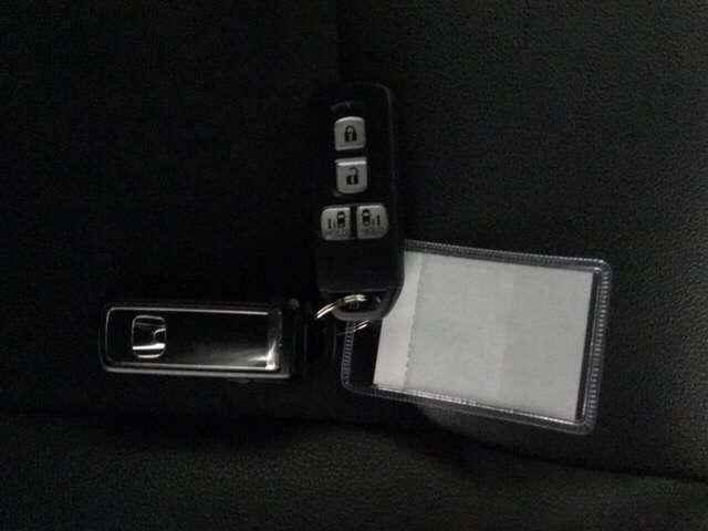 G・Lターボホンダセンシング キーフリー ESC LEDヘッド ターボ車 バックカメ メモリナビ 地デジ ナビTV クルコン ETC スマートキー アルミ ベンチシート アイドリングストップ 盗難防止装置 DVD ABS CD(14枚目)