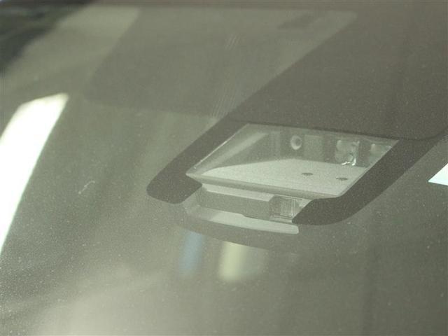 G 4WD フルセグ メモリーナビ DVD再生 後席モニター バックカメラ 衝突被害軽減システム ETC 両側電動スライド LEDヘッドランプ ウオークスルー 乗車定員6人 3列シート ワンオーナー(16枚目)