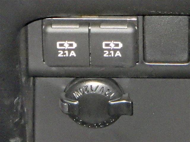 X フルセグ メモリーナビ DVD再生 バックカメラ 衝突被害軽減システム ETC ドラレコ 両側電動スライド LEDヘッドランプ 乗車定員7人 3列シート アイドリングストップ(12枚目)