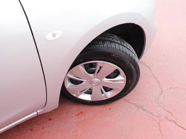 夏タイヤサイズは165/70R14+ホイールカバー付。
