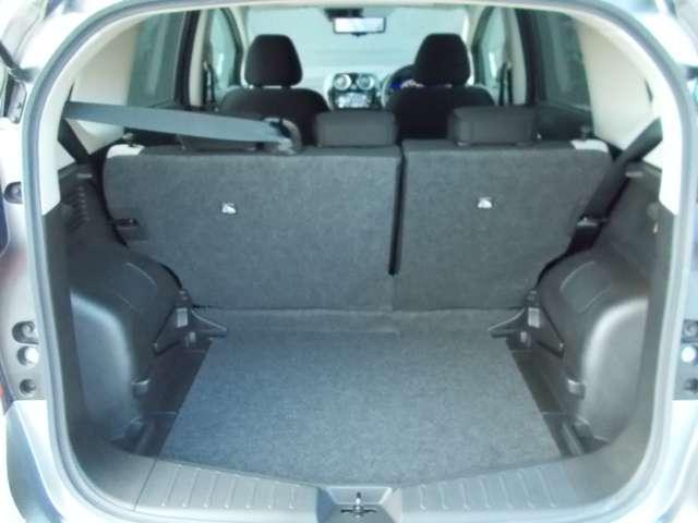 トランクは広く、仕事も趣味の荷物も幅広く積み込みできて便利☆
