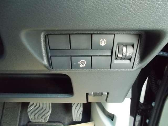 660 X 当社使用車・メモリーナビ・安全装置(8枚目)