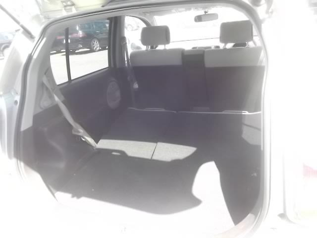 ラゲッジスペースが広々使える一台。後席を倒すと更に大きなスペースが出現します。でも、不要なものを乗せていると燃費が悪くなるので、整理整頓オススメします☆