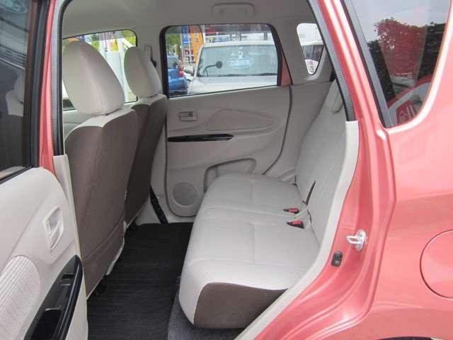 軽自動車らしくない『広がり』を感じさせるインテリア。シートは大きめで乗りやすいクルマです